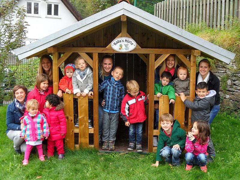 neues spielhaus im kindergarten st agatha in bilstein katholische kitas hochstift. Black Bedroom Furniture Sets. Home Design Ideas